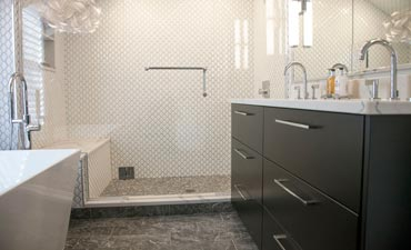 How Can I Make My Small Bathroom Look Spacious Clawson, MI